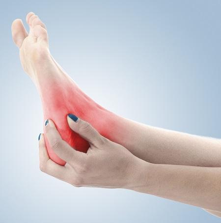 a boka és a láb ízületei fájnak)