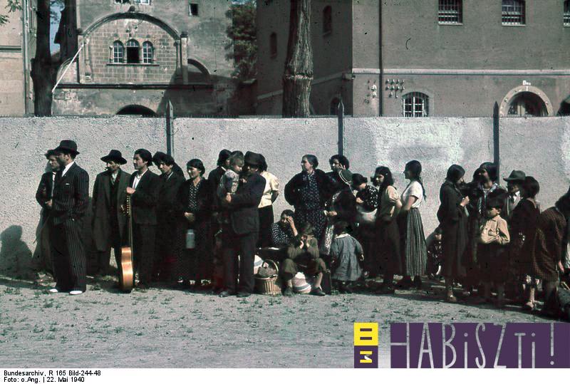 """""""Holokauszt: megsemmisítés, felszabadulás, mentés"""""""