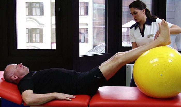 a csípőízület akut fájdalmainak kezelésére)