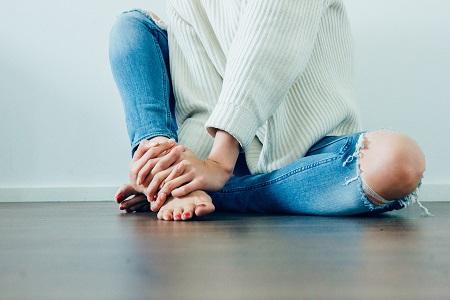 a sarok és a lábak ízületei fájnak