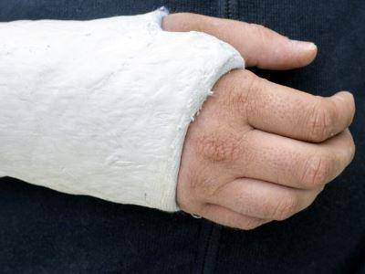 ujjízület-törés kezelése)