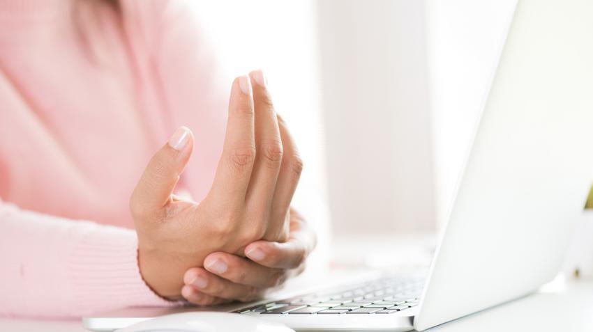 a kezét kezelő boka ízületi gyulladása)