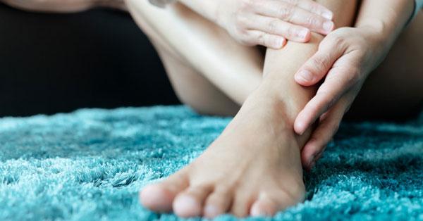 A belső boka fájdalmának okai és kezelése gyógytornával
