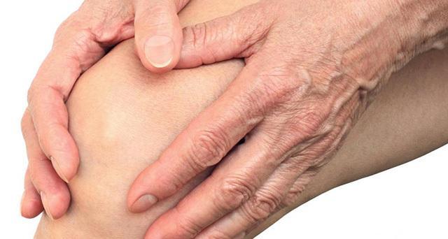 térd duzzanatában reumatoid artritiszben)