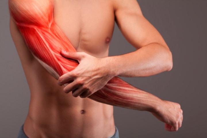 állandó fájdalom a csípőben, mint hogy kezeljék hogyan kezeljük az artritisz akut formában