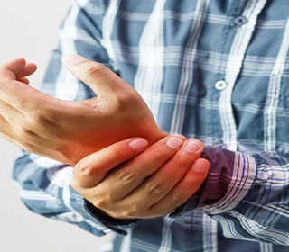 térd- és csípőízületek betegségei súlyos ízületi fájdalom, különösen a kezekben