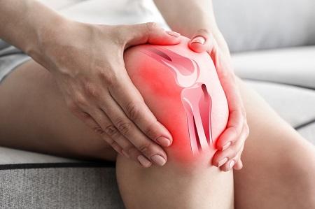a térdízület éles fájdalma kezelést okoz