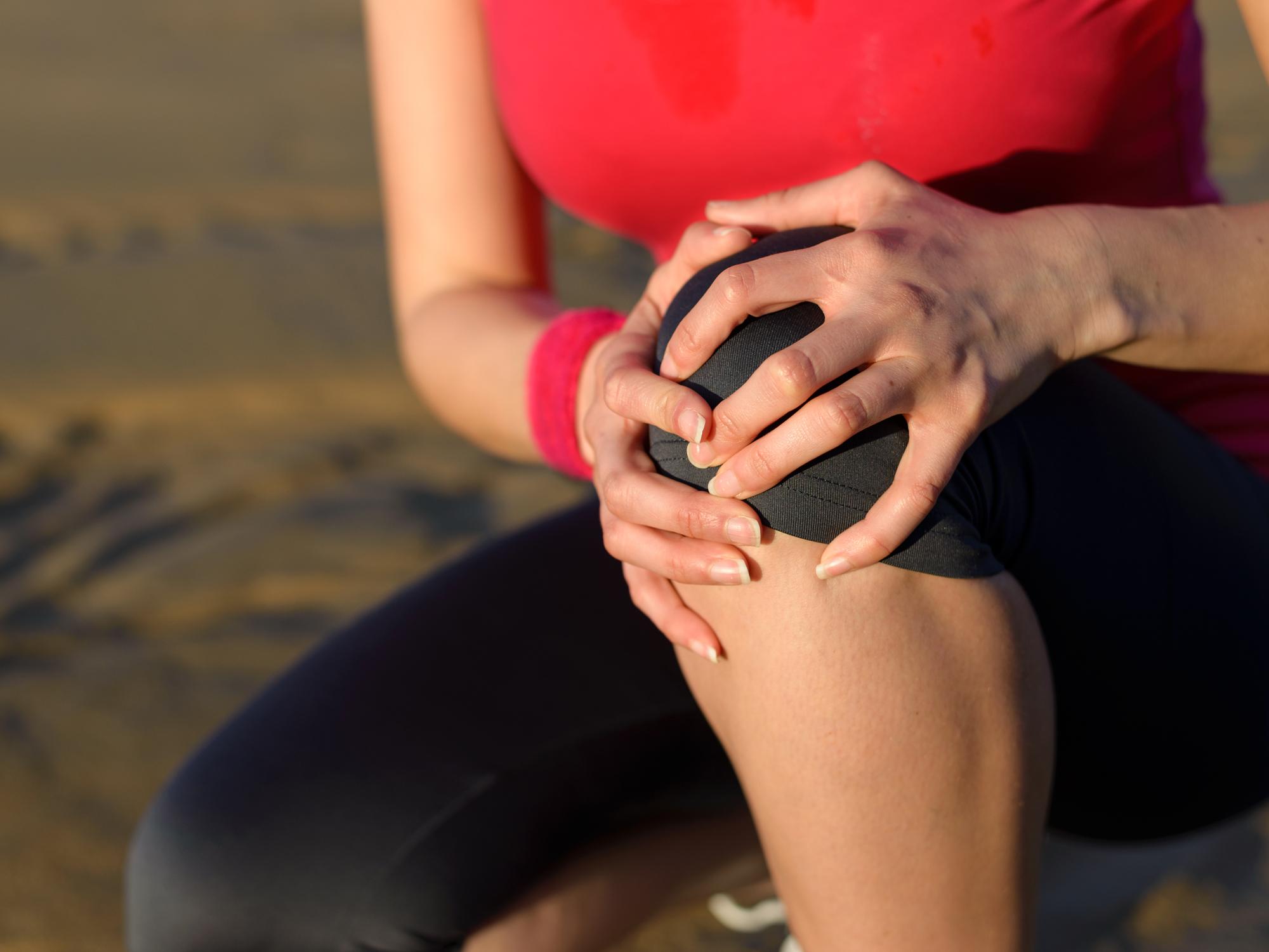 a térdízület fájdalomának oka edzés közben