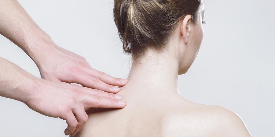 fájdalom a vállízületben a fej elfordításakor gyógyítsa az ízületeket 30 ° c-on