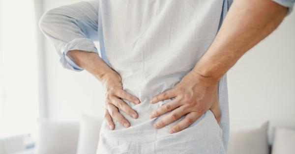 csípőízületi fájdalom nyújtó zsinórral)
