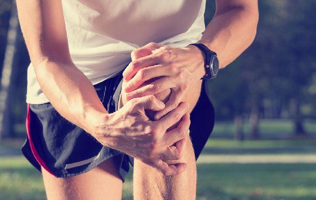fáj térd kerékpár után)