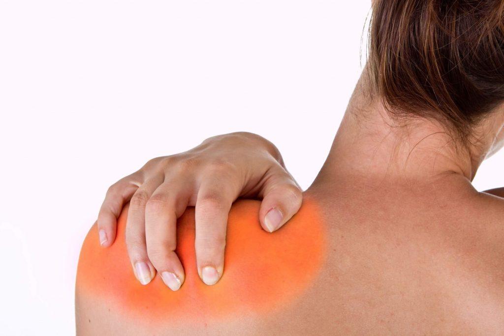 fájdalom a karban a vállízület zúzódása után