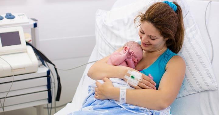 szülés utáni fájdalom a térdízületben
