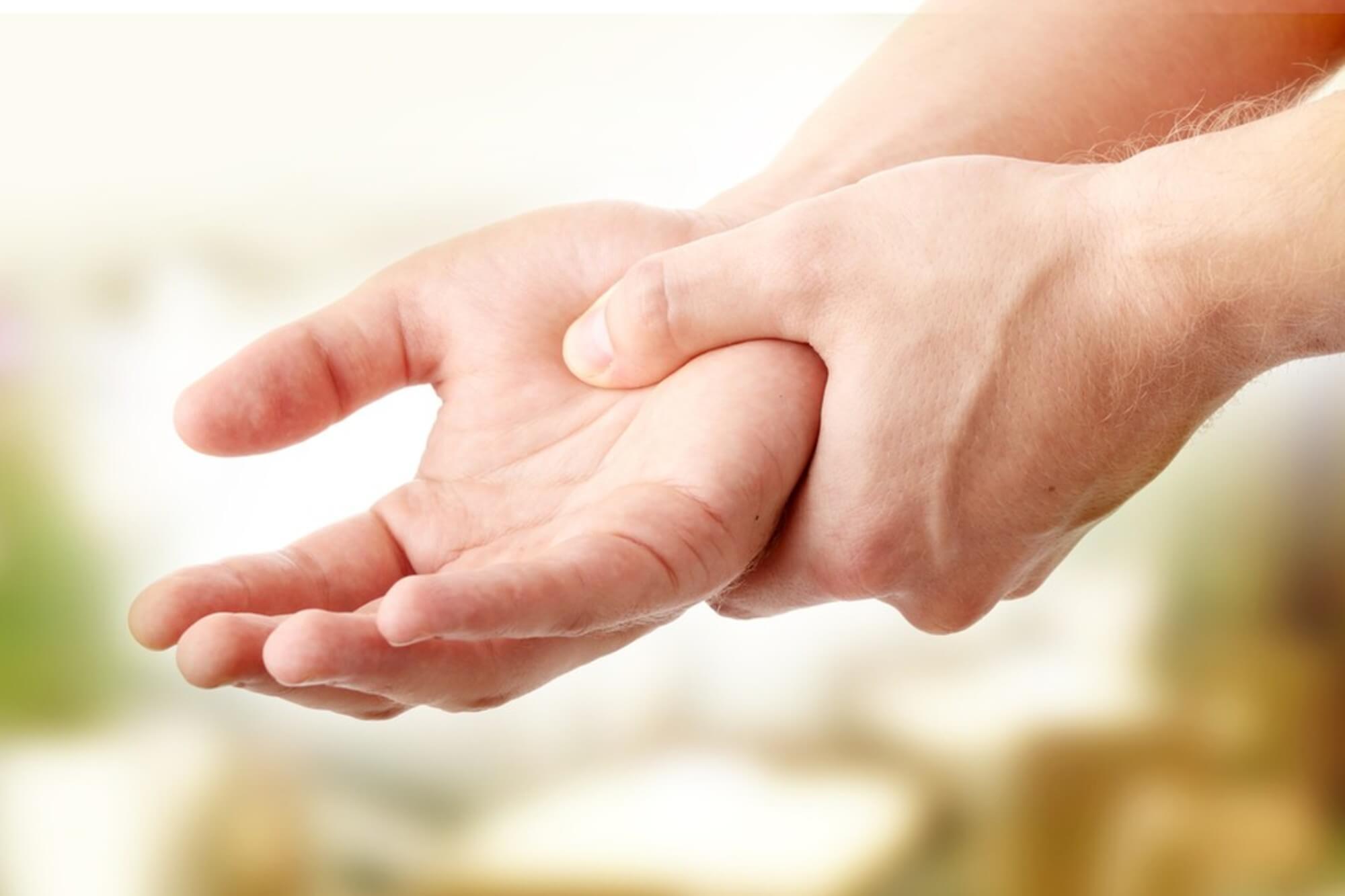 zsibbadás és bizsergő fájdalom az ízületekben