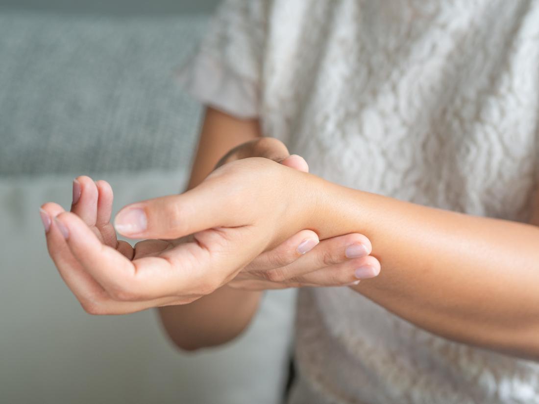 ízületi fájdalom az ízületek kezében a kar ujjízületének ízületi gyulladása