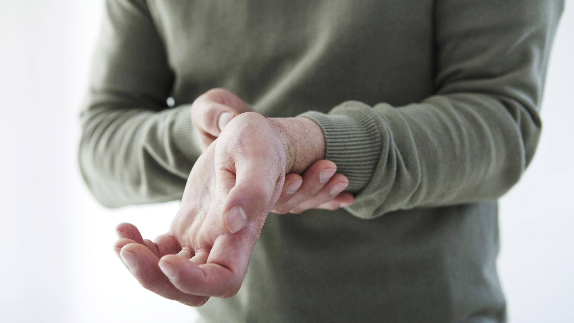 hogyan lehet kezelni a csukló ízületeinek gyulladását