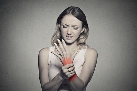 ízületi fájdalom kis ujj